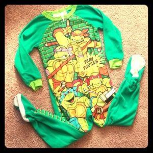 NWOT Ninja Turtles Footed Pjs